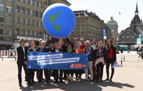 Fotoaktion der Initianten in Bern