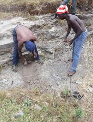 bild 2 kleinschürfer in Harugongo foto TLC